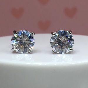 Jewelry - 18k white gold diamond stud earrings 4 CT silver